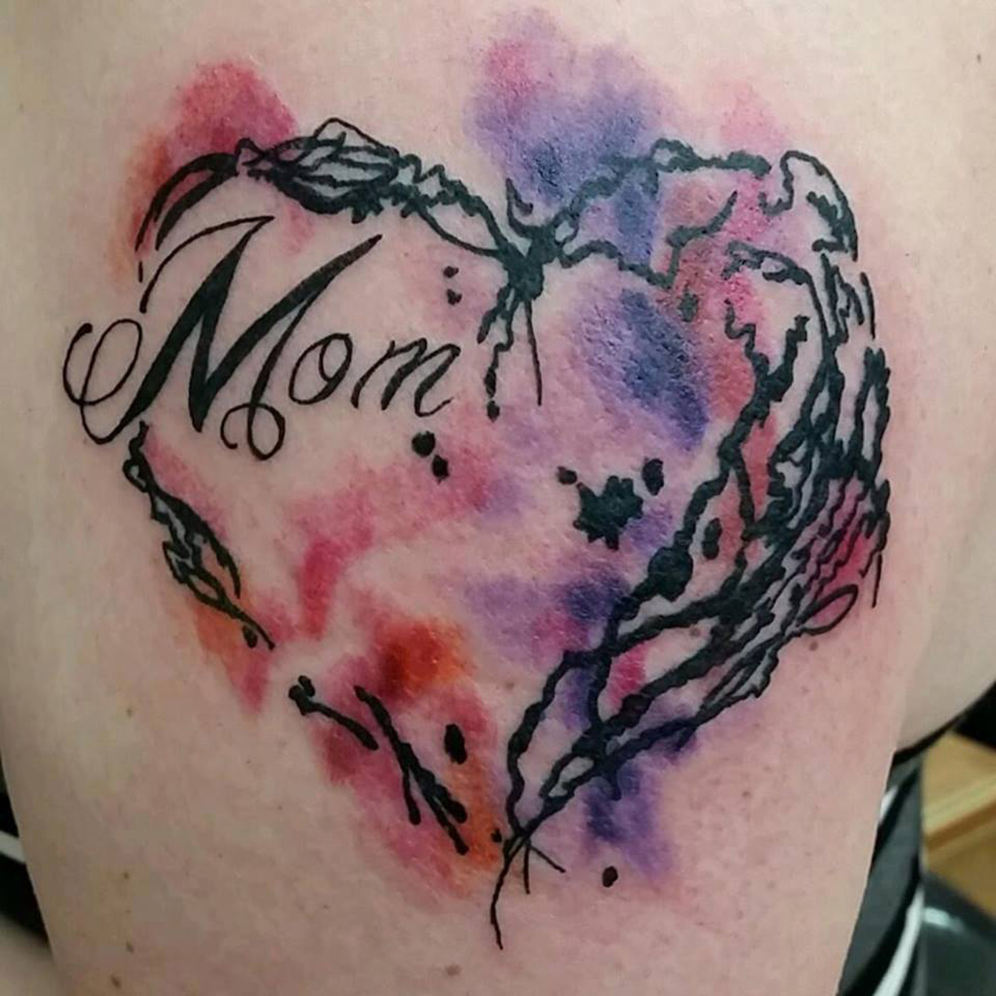 tattoo-shelly-dax-watercolor-heart